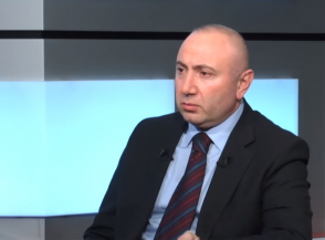 «Բանակցային սեղանի շուրջ Հայաստանը ոչ թե պետք է իր տեղը զիջի Արցախին, այլ տեղ բացի Արցախի համար»․ Անդրանիկ Թևանյան (տեսանյութ)