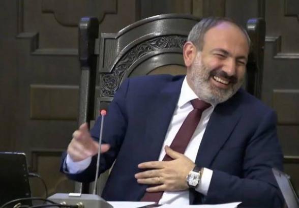 Что ж вы раньше не сказали?»: несдержанный смех на заседании правительства  - Новости Армении