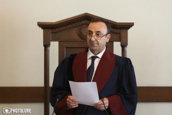 Գործարարը Հրայր Թովմասյանի դեմ ցուցմունք է տվել չորրորդ անգամ անընդմեջ հարցաքննվելիս. նրան սպառնացել են․ «Հրապարակ»