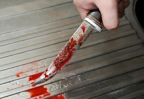 Երևանում 17–ամյա ուսանողը դանակի հարվածներ է հասցրել 51–ամյա տղամարդուն, այդ թվում պարանոցին