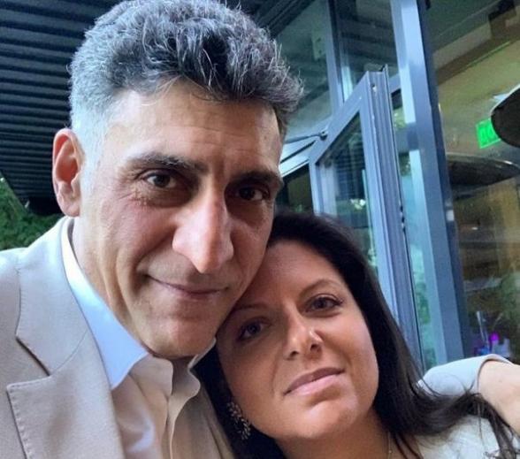 «Զարթի՛ր, լաո»․ Մարգարիտա Սիմոնյանն ու Տիգրան Քեոսայանը երգում են հայկական հայրենասիրական երգեր (տեսանյութ)