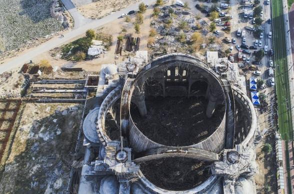 Թուրքիայի երկրորդ ամենամեծ մզկիթի գմբեթը փլվել է՝ ավերակների տակ թողնելով ինժեներին (տեսանյութ)