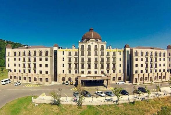 Гостиница «Golden Palace» будет выставлена на аукцион за $15,6 млн