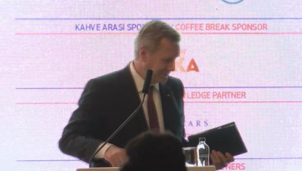 Թուրքիայում չեն կարողացել թարգմանիչ ապահովել Գերմանիայի նախկին նախագահի ելույթի համար