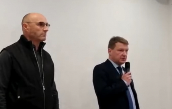«Ուկրաինայի միջազգային ավիաուղիների» նախագահը չի կարողացել զսպել արցունքները