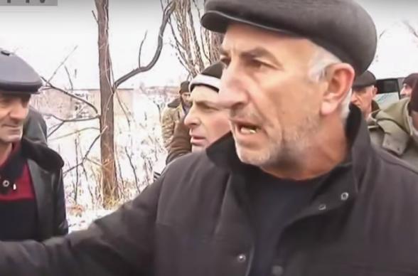 Կառնուտ գյուղի բնակիչները ճանապարհ են փակել