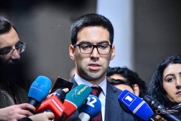 Ռուստամ Բադասյանը չի կարծում, որ վերադարձ կլինի կիսանախագահական կառավարման մոդելին