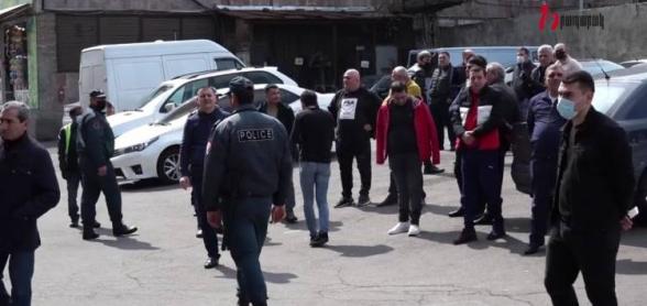 «Փեթակի» աշխատողները բողոքի ակցիա էին անում․ հրաժարվում էին աշխատել (տեսանյութ)
