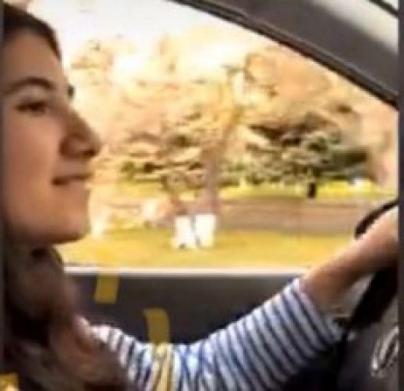 Շուշան Փաշինյանը մեքենա վարել է սովորում (տեսանյութ)