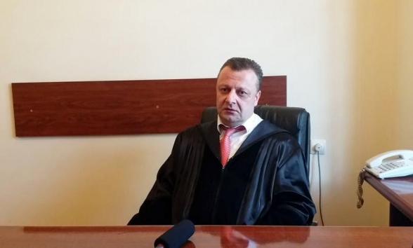 Դատավոր Ալեքսանդր Ազարյանին կարգապահական պատասխանատվության ենթարկելու մասին միջնորդությունը կքննարկվի հունիսի 18-ին