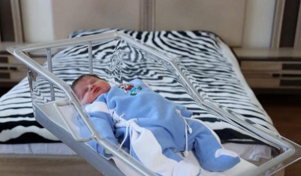 Երևանում 5.6 կգ քաշով երեխա է ծնվել