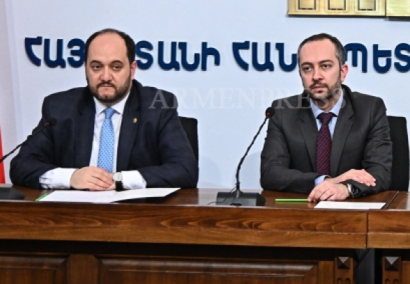 ՔՊ համագումարի ժամանակ Էդուարդ Աղաջանյանն ասում էր, որ Արայիկ Հարությունյանը կուսակցության հաշվին աշխատավարձ է ստացել և տապալել է իր աշխատանքը