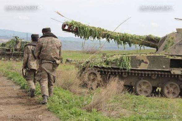 ВС Армении пресекли ночью передвижение азербайджанского танка