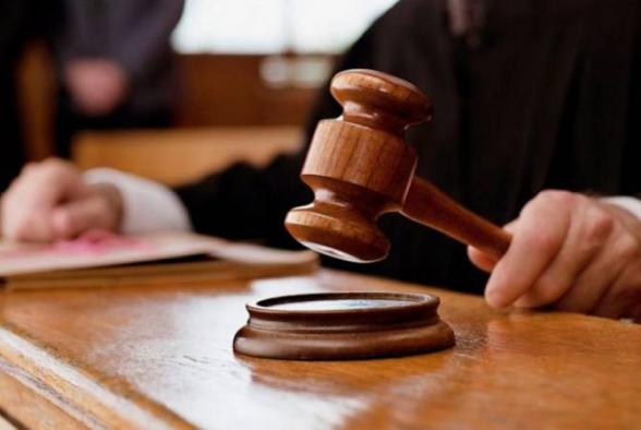 Էջմիածին քաղաքի 49-ամյա բնակիչը, ինքնիրավչությանն օժանդակելով, էական վնաս է պատճառել համաքաղաքացուն. քրեական գործն ուղարկվել է դատարան