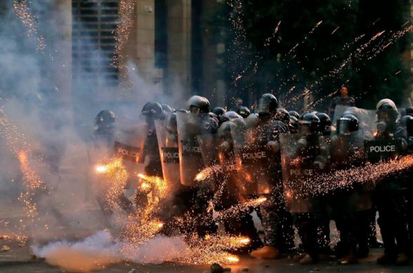 Բեյրութում ուժայինների և ցուցարարների բախումների հետևանքով 42 մարդ է տուժել, 10-ը հոսպիտալացվել է (տեսանյութ)