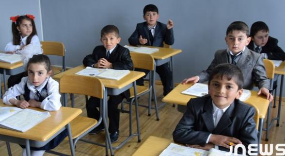 Վրաստանում աշակերտները պարտավոր չեն լինի դպրոցներում դիմակներ կրել