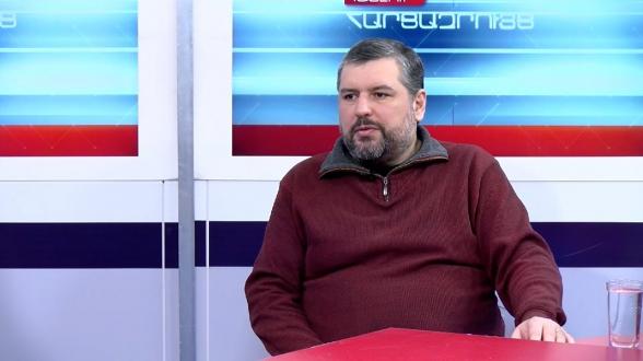 Այսօր Ադրբեջանում քննարկվում է՝ արժի՞ որ ադրբեջանցի զինվորները բռնաբարեն Աննա Հակոբյանին, երբ իրեն գերի վերցնեն, թե չարժի