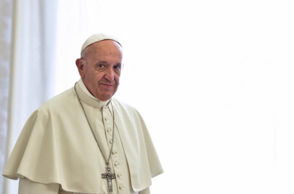 Папа Римский Франциск призвал к миру на Кавказе