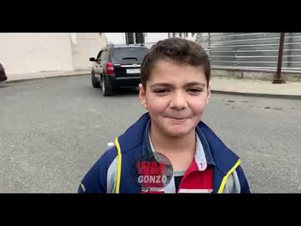Арцахские дети рассказывают российскому журналисту об обстреле со стороны Азербайджана (видео)