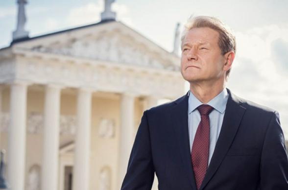 Экс-президента Литвы приговорили к 3 годам лишения свободы