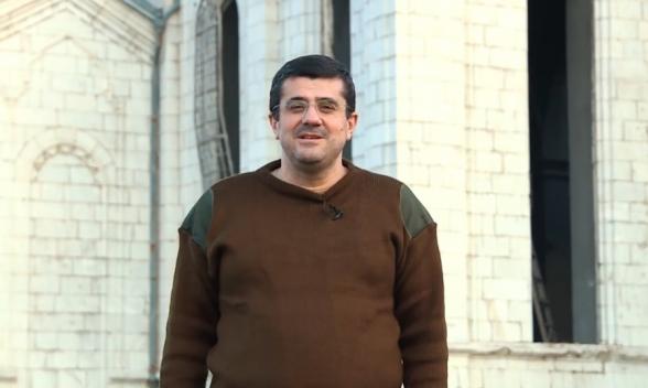 Враг находится в 5 км от Шуши – Араик Арутюнян (видео)