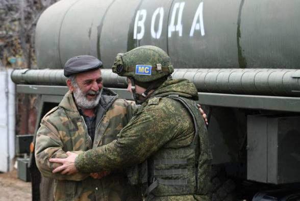Ռուս խաղաղապահներն սկսել են ջուր մատակարարել Ասկերանի երեք բնակավայրերի բնակիչներին