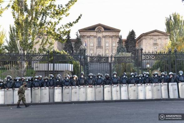 Комиссия НС вынесла отрицательное заключение по вопросу об отмене военного положения