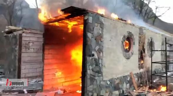 Այրում են Արշակ Զաքարյանի ռեստորանը Քարվաճառում
