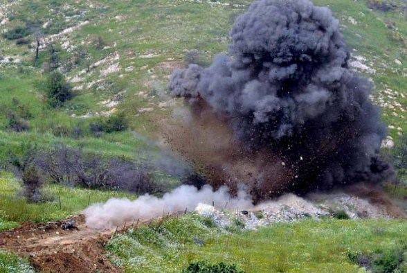 В Физулинском районе машина подорвалась на мине: погибли 5 азербайджанцев