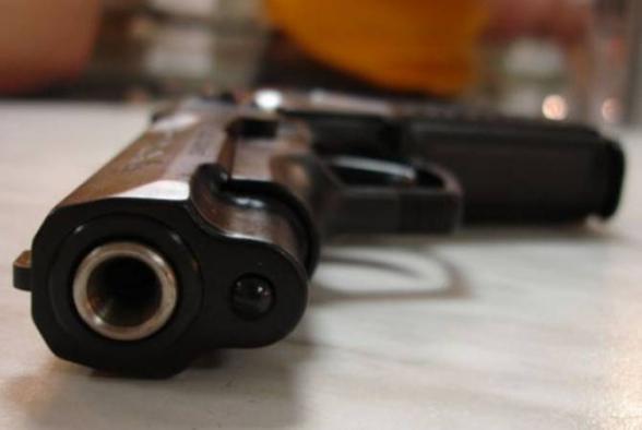 В первом чтении принят законопроект, разрешающий некоторым сотрудникам КГД носить боевое оружие