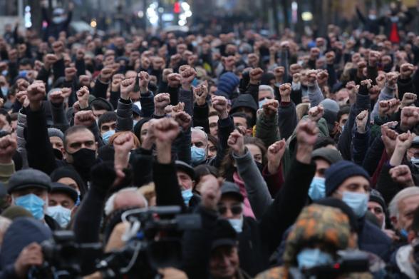 Движение по спасению Родины провело митинг перед зданием НС: следующий митинг намечен на 15:00 27 февраля (видео)