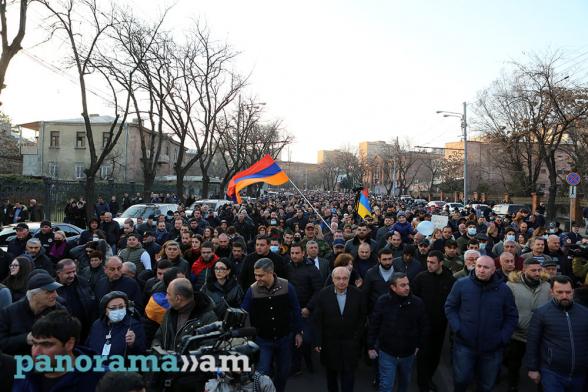 Ո՞վ պետք է ձևավորի իշխանությունը Հայաստանում՝ հայե՞րը, թե՞ թուրքերը