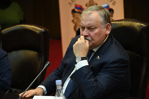 «Уходите, ваше время ушло»: «Лазаревский клуб» призывает Пашиняна принять единственно правильное решение
