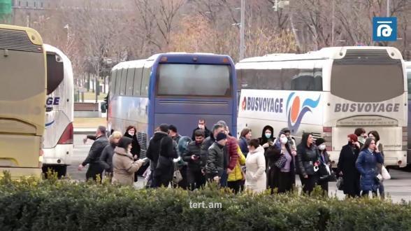 Փաշինյանի հանրահավաքի մասնակիցներին ավտոբուսներով բերեցին հրապարակ
