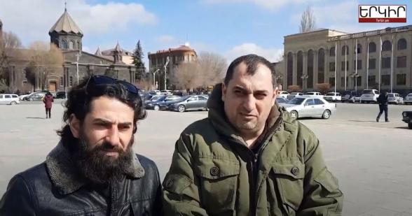 Гюмрийцы собирают рюкзак Пашиняна, чтобы привезти его в Ереван (видео)