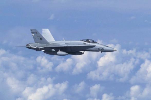 Խաղաղ օվկիանոսի վրա ՄիԳ-31-ի կողմից ամերիկյան հետախուզական ինքնաթիռը «որսալու» տեսանյութը