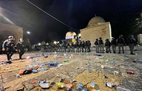 Более 200 человек пострадали в столкновениях в восточном Иерусалиме (видео)