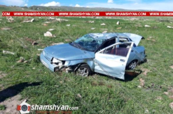 ՀՀ ՊՆ զինծառայողը Արագածոտնի մարզում ՎԱԶ-21102-ով բախվել է քարերին, վիրավորը նույնպես զինծառայող է