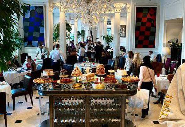 ՀՀ նախագահ Արմեն Սարգսյանն ընթրել է Մոսկվայի էլիտար ռեստորաններից մեկում՝ «Большой»-ում