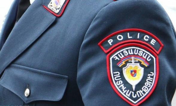 Շորթման մեղադրանքով հետախուզվողը ներկայացավ ոստիկանություն