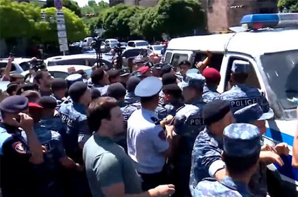 Այսօր բռնի ուժով բերման ենթարկված ՀՅԴ անդամների անցած մարտական ուղին՝ տեսանյութով
