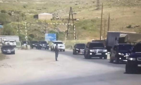 Нескончаемый кортеж Пашиняна по дороге в Сюник