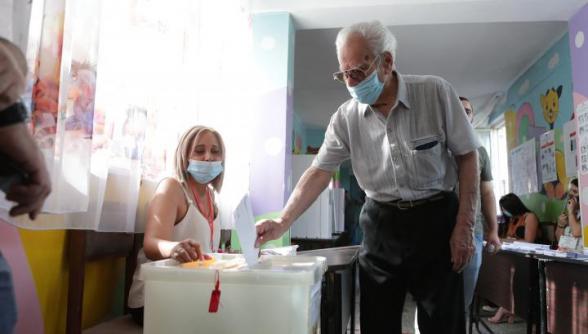 На 14:00 явка избирателей на выборах в Армении составила 26,82%