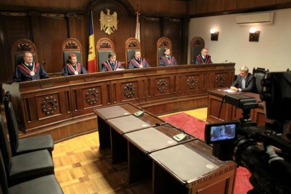 Конституционный суд Молдавии утвердил результаты парламентских выборов 11 июля