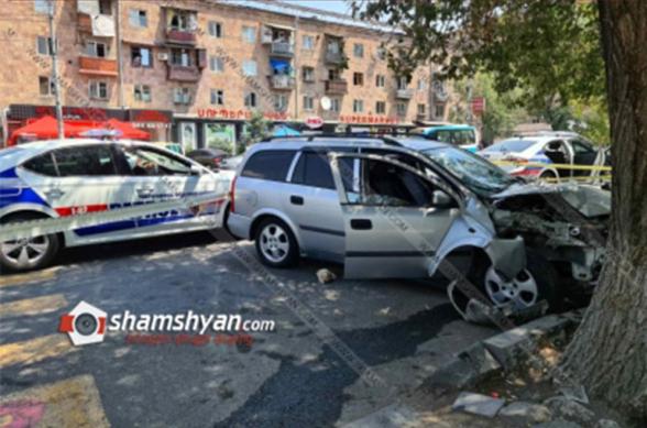 Շենգավիթում բախվել են BMW-ն ու Opel-ը. Opel-ն էլ վրաերթի է ենթարկել 3 հետիոտնի