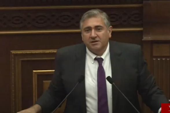 Դատախազությունը պետք է հերքի կամ հաստատի Սերգեյ Բագրատյանի ասածները. Արթուր Խաչատրյան (տեսանյութ)