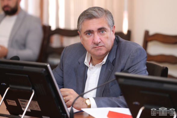 «Հայաստան» խմբակցության պատգամավորը խորհրդարանական հանձնաժողովներից մեկի ղեկավարի տեղակալ ընտրվեց