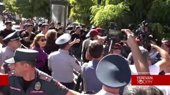 Полицейские подвергли гражданина приводу за вопрос «Никол – турок или армянин?»